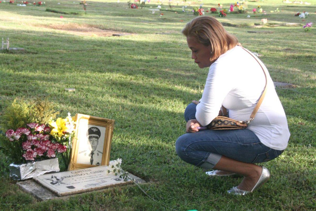 Actos de recordaci n del 20 de diciembre critica for Cementerio jardin de paz