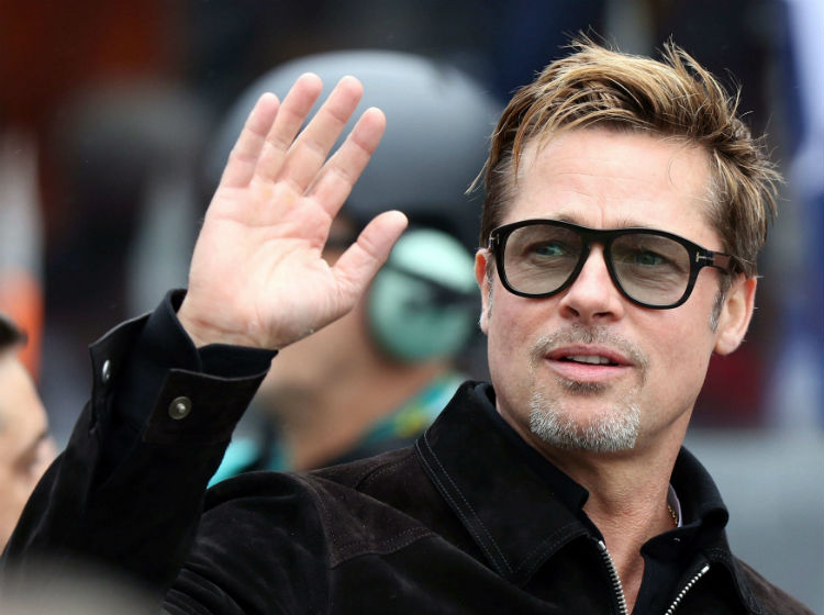 Adele dedica show en NY a Angelina Jolie y Brad Pitt
