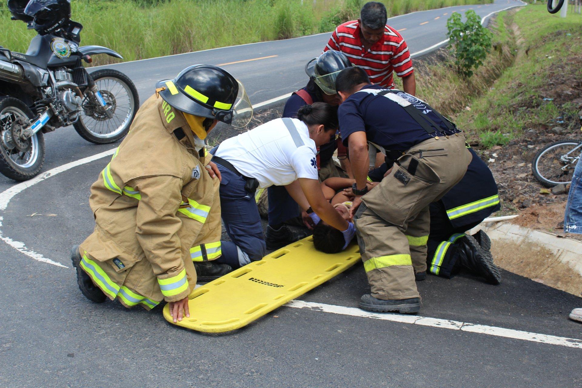Motociclista se accidenta en Llano Marín - Crítica