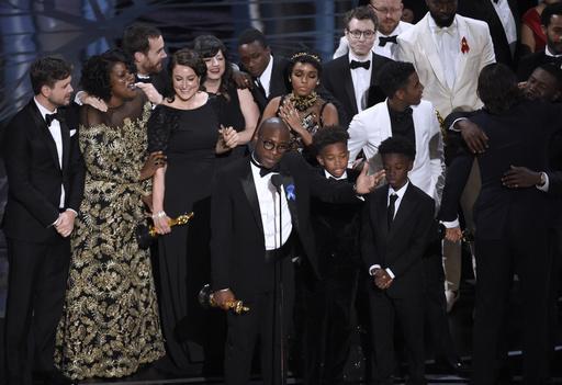 Oscar 2017 cometió otro error al homenajear a diseñadora muerta