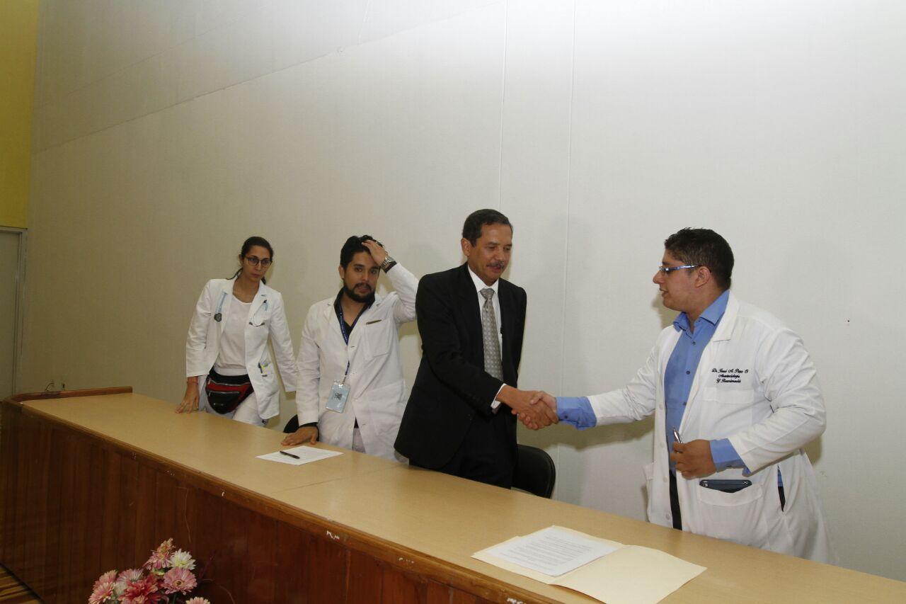 Médicos internos y residentes del HST levantan paro de labores