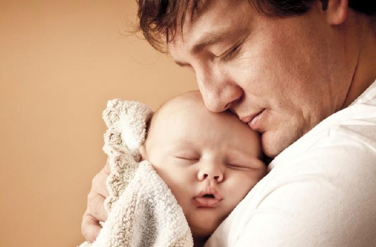 Promulgan ley que crea la licencia de paternidad