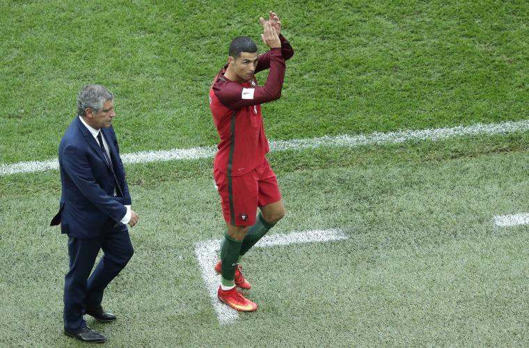 Ronaldo está dolido y necesita reflexionar, dice su amigo Luis Campos