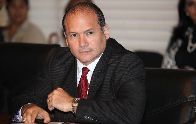 Juez niega fianza a expresidente Martinelli acusado de lavado
