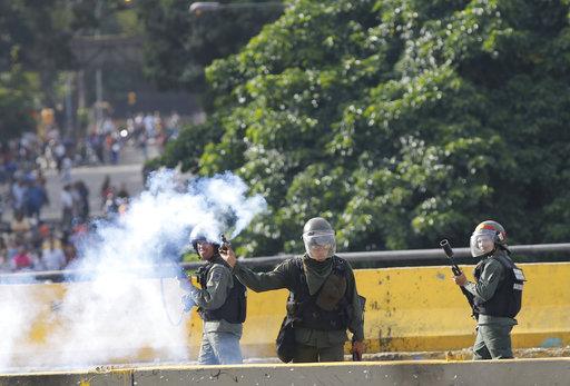 Oposición venezolana convoca a paro cívico de 24 horas