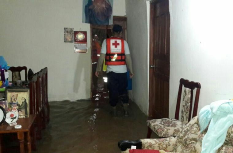Reportan un muerto tras las fuertes lluvias en Los Santos