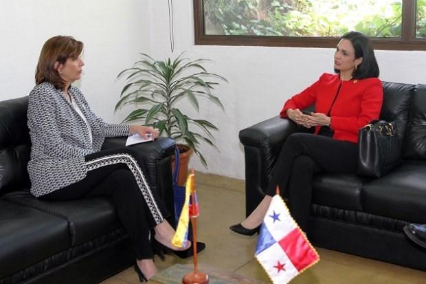 Canciller de Colombia María Ángela Holguín aplaza visita a Panamá