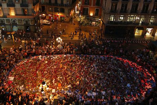 Miles marchan en Barcelona contra el terrorismo
