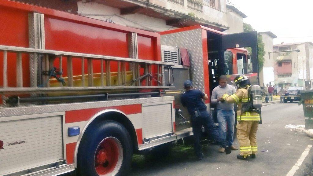 Incendio en taller de ebanister a en santa ana critica for Taller de ebanisteria