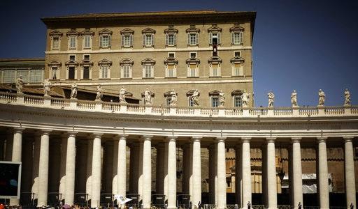 Vaticano investiga a sacerdote por presunta posesión de pornografía infantil