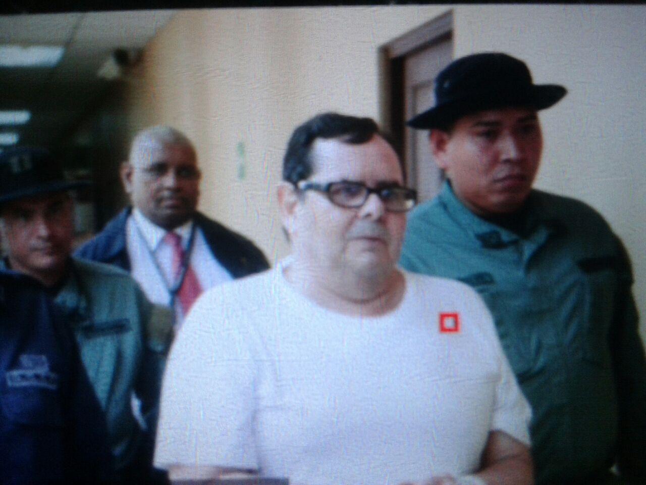 Luis Cucalón acude a audiencia por caso Cobranzas del Istmo