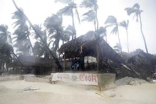 'María' se acerca a las islas Turcas y Caicos