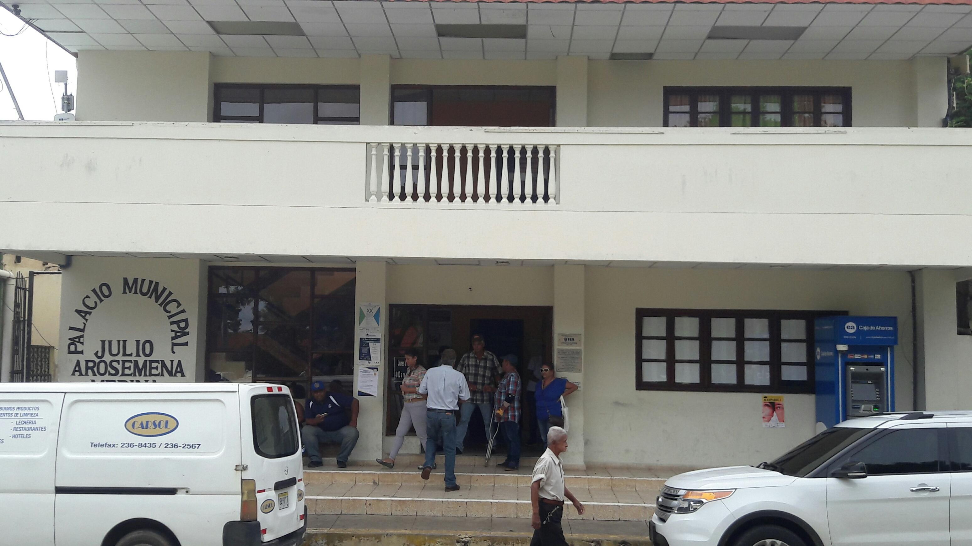 Detienen a un alcalde y dos policías en Panamá por presunto narcotráfico