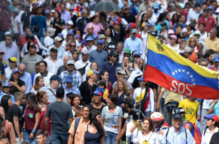 SNM, cumple la Ley y solicita Visa estampada para venezolanos