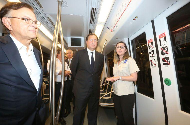 Varela anuncia aumento de sanciones a 'diablos rojos'