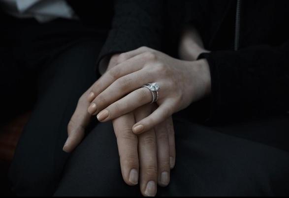 Joe Jonas y Sophie Turner presumen su compromiso