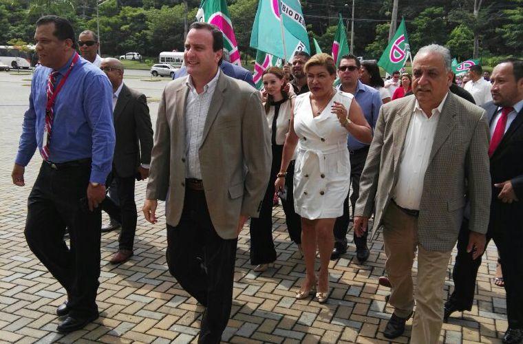 Francolini buscará candidatura presidencial del CD