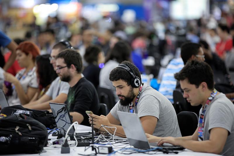 La preventa del IPhone X y otros 6 clics tecnológicos de la semana en América