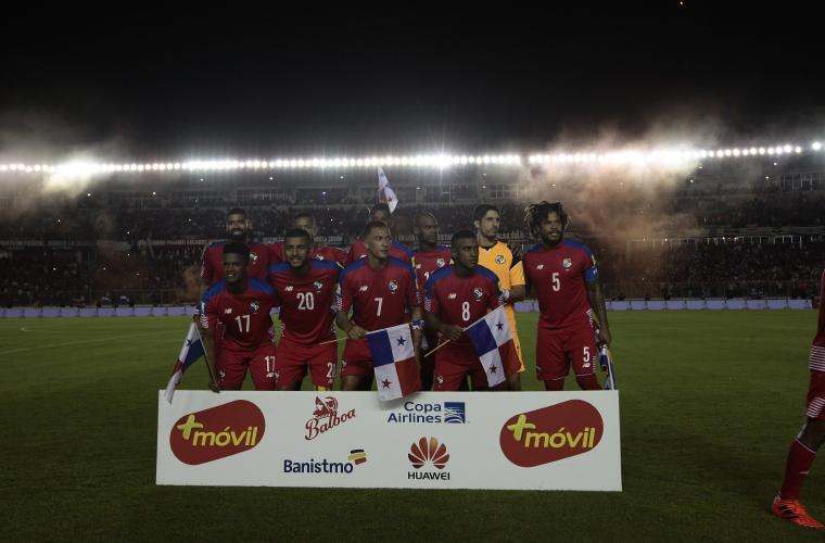 Miles de hinchas festejaron la clasificación de Perú