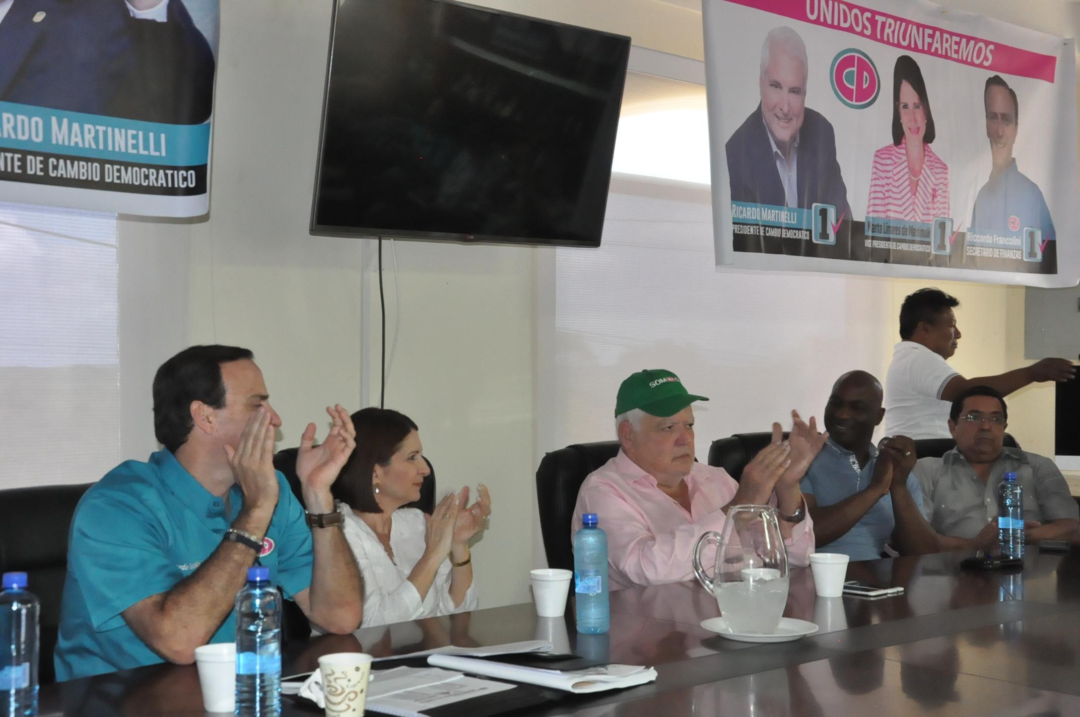 Ricardo Martinelli pide no habilitar a diputados suplentes