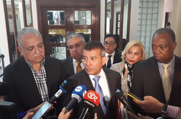 Niegan a la defensa de Martinelli prescripción del caso de indultos