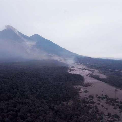Vistas áreas del Volcán. Foto/EFE