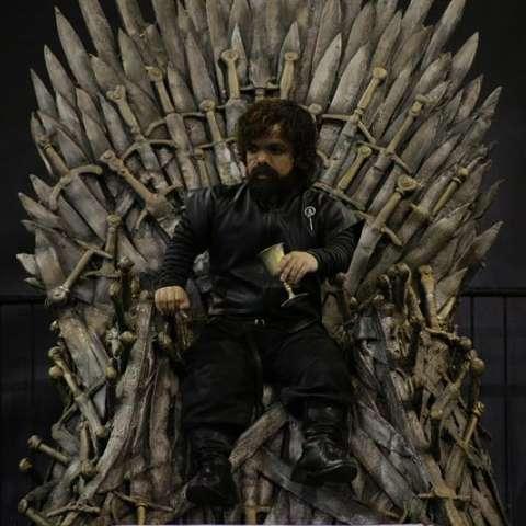 """Fotografía que muestra al cosplayer peruano Omar Milla, el doble de Tyrion Lannister de la serie """"Game of Thrones"""" hoy, viernes 27 de octubre de 2018, durante la inauguración de la primera edición del Comic Con en la ciudad de Panamá (Panamá). EFE"""