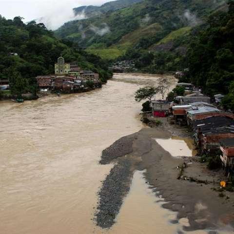 El IDEAM mantiene en alerta roja la cuenca baja y media del Cauca, la segunda arteria fluvial del país, por el peligro de desbordamiento causado por las afectaciones en Hidroituango. EFE