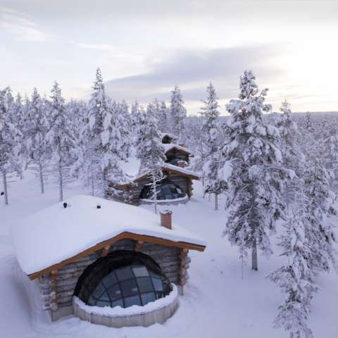 Uno de los iglús para seis personas del complejo hotelero ártico de Kakslauttanen, en la Laponia finlandesa. Foto:Kakslauttanen Arctic Resort.  /  Foto: EFE
