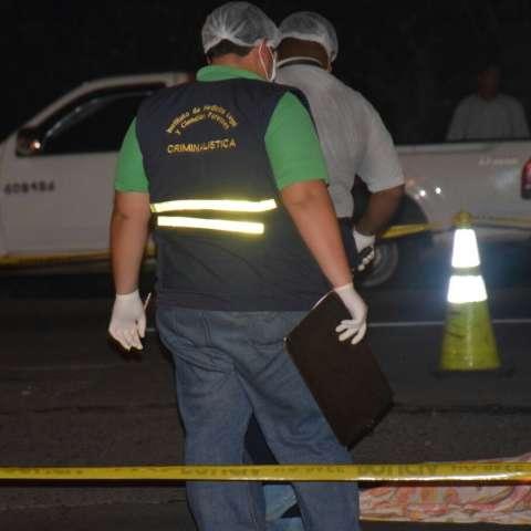 Los primeros informes indican que el vehículo involucrado es una camioneta de color gris, conducida por un ciudadano de 51 años.  /  Foto: Mayra Madrid