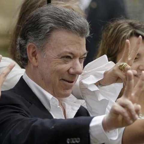 """Santos ha realizado numerosos encuentros y consultas con opositores e impulsores del acuerdo después del revés en el plebiscito en el que el """"No"""" al pacto con las FARC. / Foto: AP"""