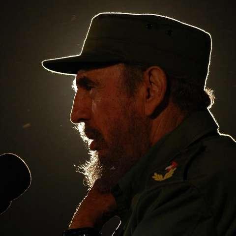 Fotografía de archivo del 3 de febrero de 2006, del fallecido líder cubano Fidel Castro, en La Habana (Cuba). EFE/Archivo