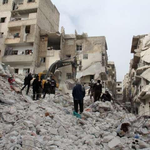 Las operaciones de rescate prosiguen este lunes.  /  Foto: AFP
