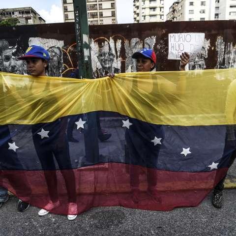 Ello en medio de una oleada de protestas que ha dejado 28 muertos en casi un mes. Foto: AFP
