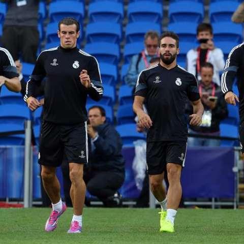 Gareth Bale y Dani Carvajal  trabajan con el grupo. Foto EFE