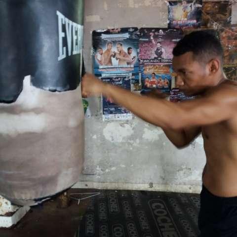 """Carlos """"Arañita"""" Ortega, durante su preparación de ayer. Foto: Joel Isaac González"""