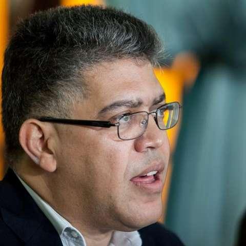 Entre los sancionados está el jefe de la Comisión Presidencial para la Constituyente y exvicepresidente de Venezuela, Elías Jaua. EFE/Archivo