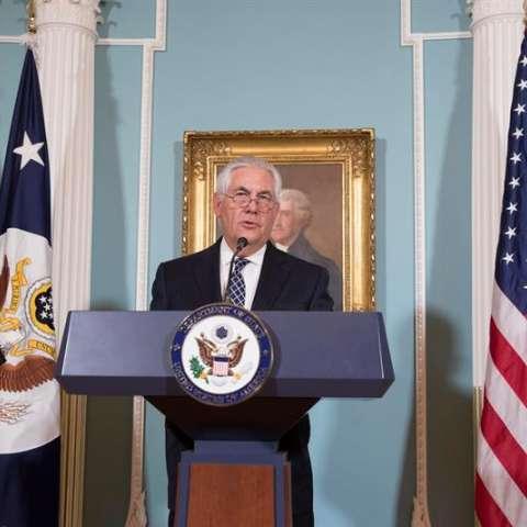 El secretario de Estado de Estados Unidos., Rex Tillerson, fue registrado este martes al hacer una declaración, durante la presentación del Informe Internacional Anual de Libertad Religiosa, en la sede del Departamento en Washington DC (EE.UU.). EFE