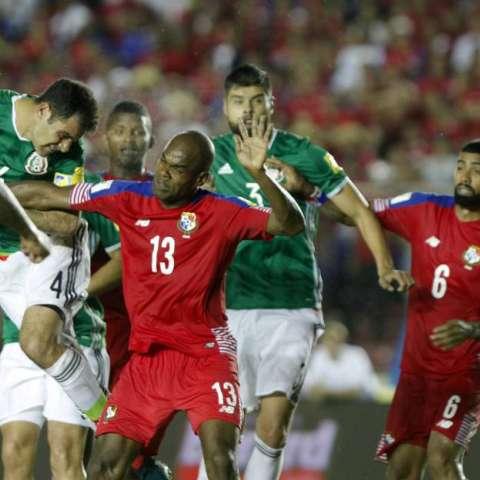 México y Panamá empataron en su último choque eliminatorio/ EFE