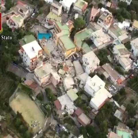 Daños ocasionados tras el terremoto en la isla Ischia en Italia hoy, 22 de agosto de 2017. EFE