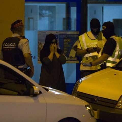 No estaba claro si el cinturón hallado entre los restos de la explosión en Alcanar, era el que pensaba usar el imán Abdelbaki Es Satty, presunto autor intelectual de los ataques. / Foto: AP