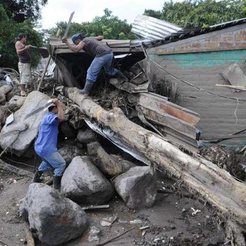 El portavoz de la Coordinadora Nacional para la Reducción de Desastres (Conred), David de León, cifró hoy en 7.580 las personas que durante las últimas 48 se vieron afectadas por las precipitaciones. EFE/Archivo