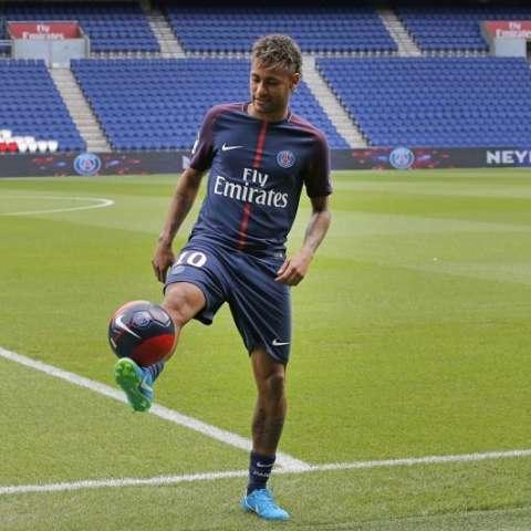 Neymar durante su sonada presentación con el PSG./ Foto Cortesía