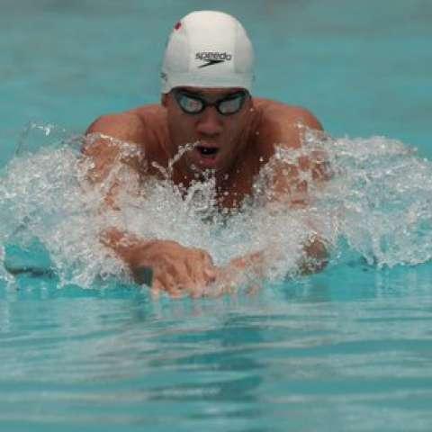 Edgar Crespo no pudo entrar en el medallero de los 200 metros pecho.
