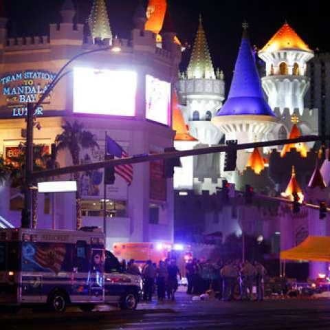 La policía dijo que 515 personas resultaron heridas. /  AP