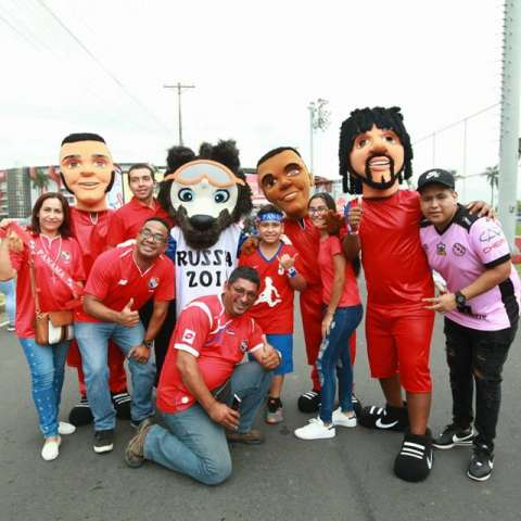 La pasión por el fútbol se respira en todos los fanáticos panameños. Foto: Anayansi Gámez
