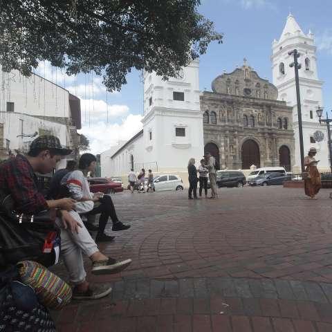 Las medidas de seguridad son adoptadas para la realización de estas actividades que conllevan la visita del papa Francisco, los peregrinos y visitantes al Casco Antiguo.  Foto: Roberto Barrios