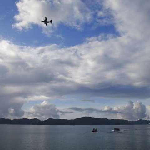 """El ejercicio de este año denominado """"Balikatan 2017"""" o """"hombro a hombro"""" involucró activos aéreos, terrestres y marítimos de militares estadounidenses y filipinos para incluir Ospreys, helicópteros BlackHawk, Y los barcos pero sin armas.  /  Foto: AP"""