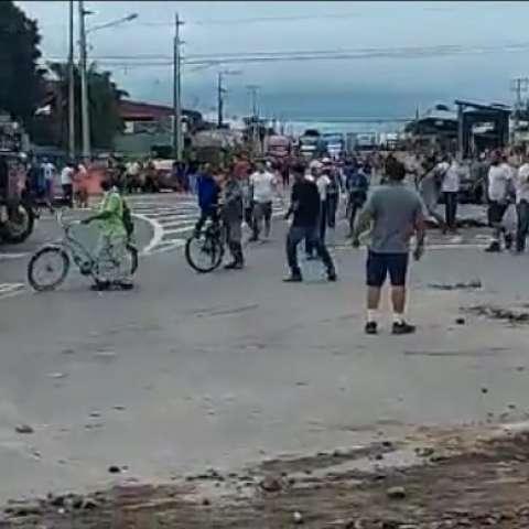 Ticos protestan cerca de la frontera con Panamá
