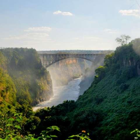 Otra visión de las Cataratas Victoria en Zimbabue. Foto cedida a EFE por Nuba